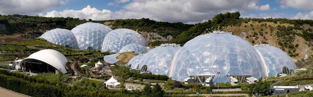 Eden_Project_geodesic_domes_panorama-Wikimedia-Commons