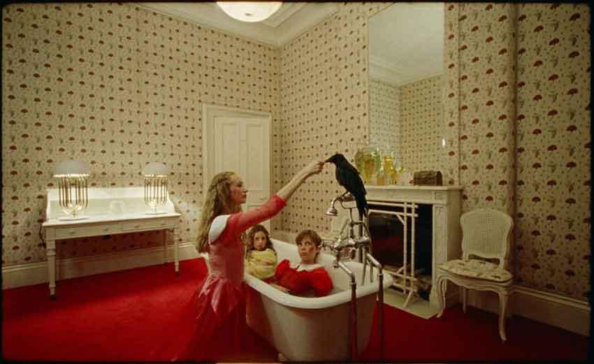 Marianna-Simnett-The-Bird-Game-2019-film-still-Courtesy-the-artist-FVU-the-Rothschild-Foundation-and-Frans-Hals-Museum